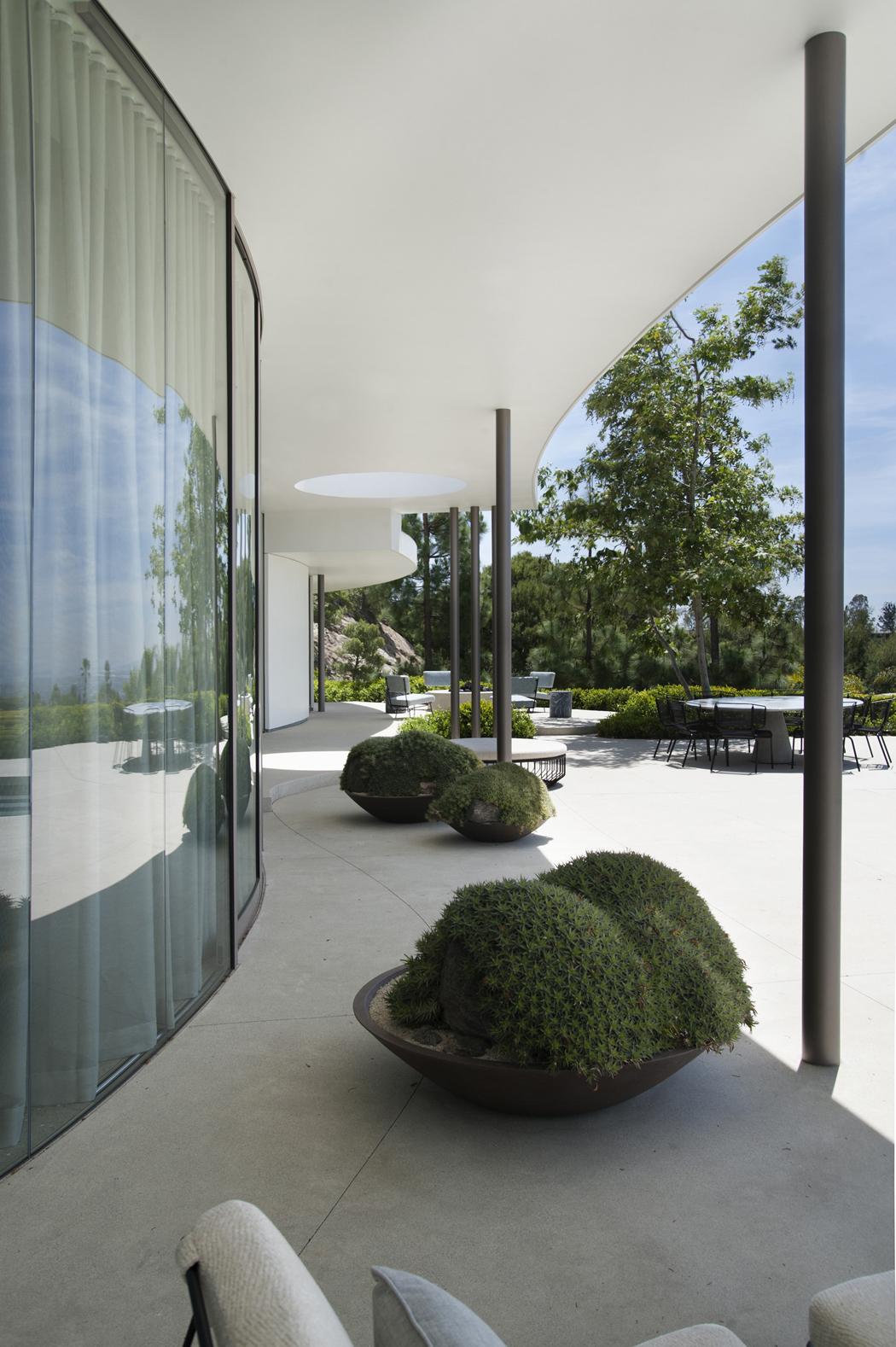 Superbe maison d'architecte totalement rénovée à Beverly Hills ...