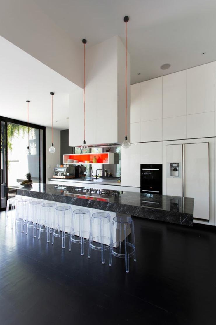Maison de ville au design int rieur luxe melbourne for Cuisine equipee de luxe