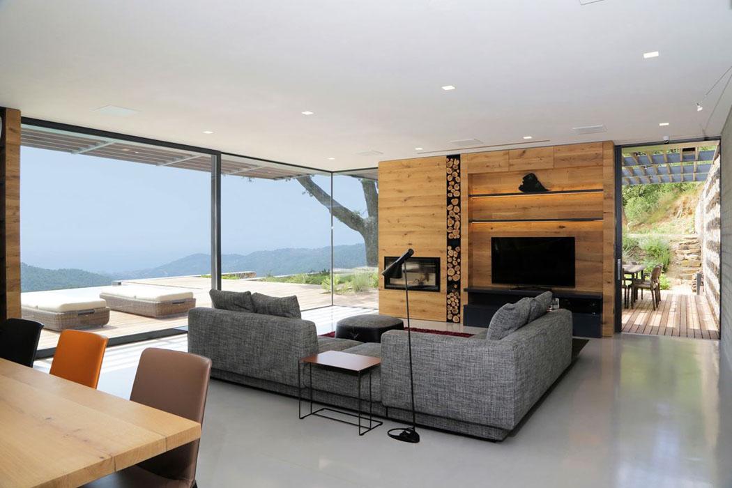 Magnifique villa moderne de plain pied situ e sur les for Villa moderne interieur
