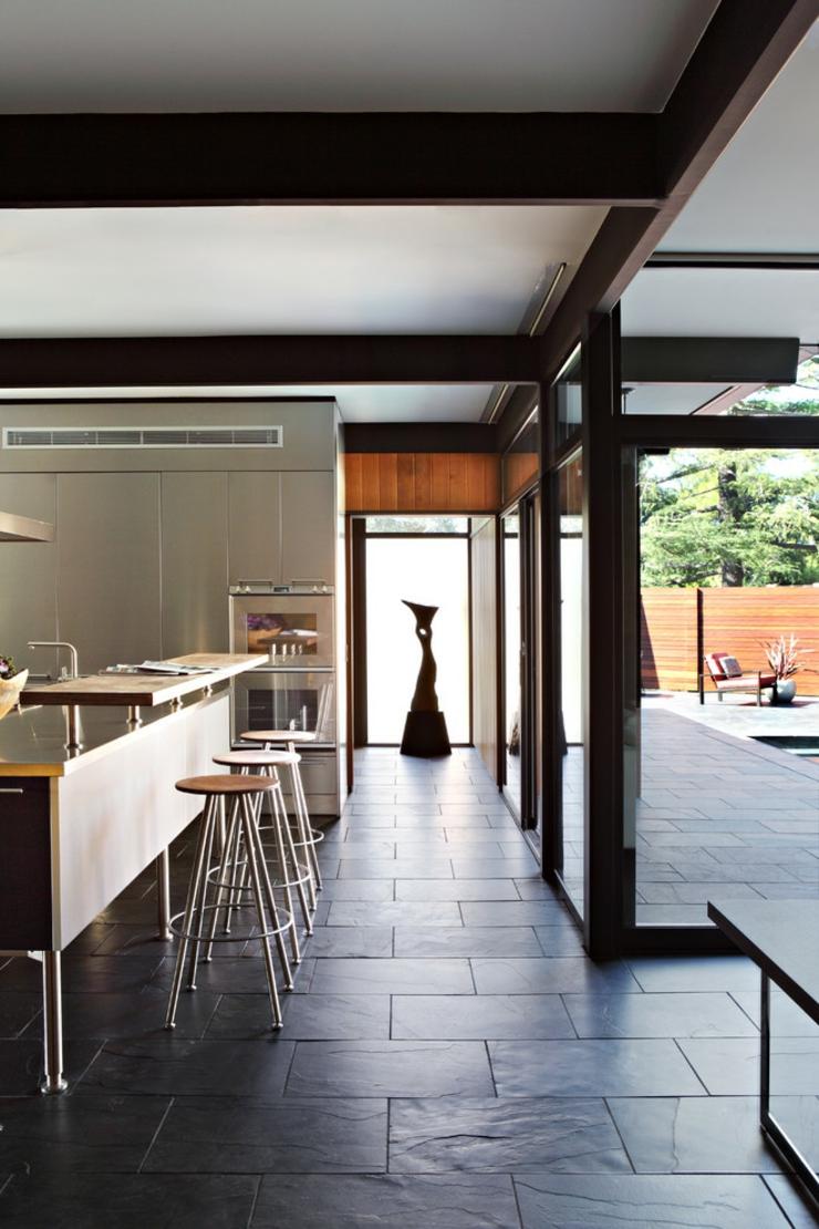 Espaces dégagés et soulignés décorés dune manière créative couloirs résidence intérieur éclectique