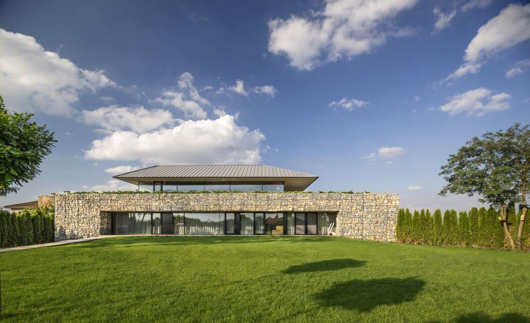 Maison d architecte en bulgarie offrant une superbe vue for Belle maison moderne architecte