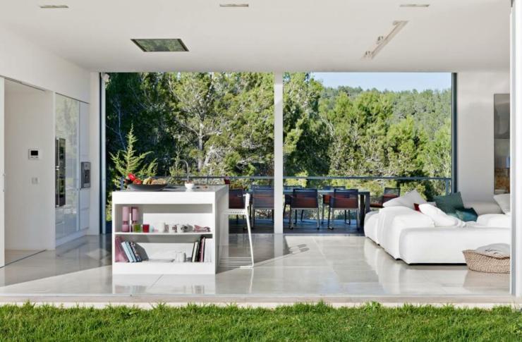 Maison m diterran enne aux influences originales ibiza for Interieur original maison