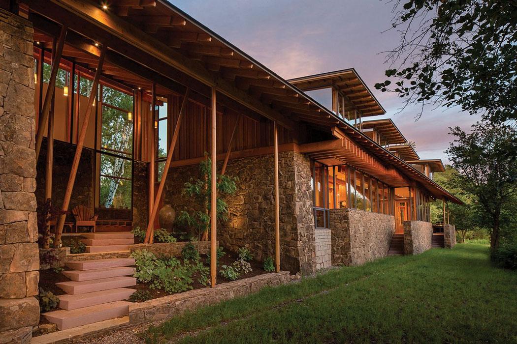 moderne et accueillante maison en bois au c ur de la. Black Bedroom Furniture Sets. Home Design Ideas