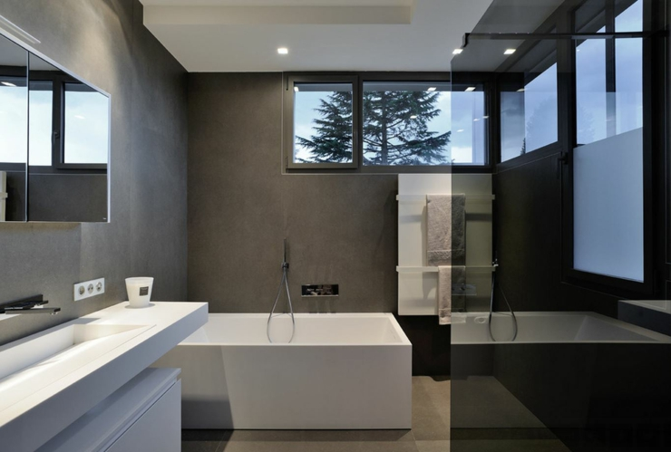 Belle maison avec piscine superbe pr s de lyon vivons maison for Salle de bain d hotel luxe