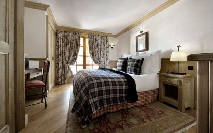 beau chalet de luxe courchevel vivons maison. Black Bedroom Furniture Sets. Home Design Ideas