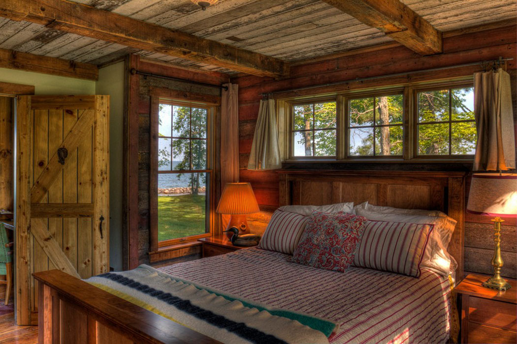Maison de vacances au charme bucolique au bord d un lac for Chambre rustique