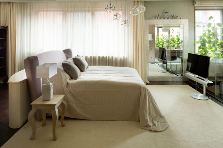 décoration intérieur maison de luxe chambre damis. Spacieuse salle de bains