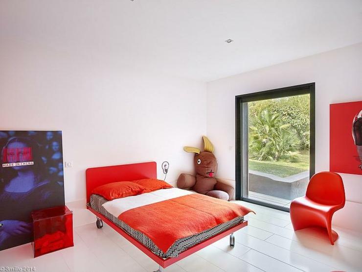 splendide villa de r ve sur la c te d azur vivons maison. Black Bedroom Furniture Sets. Home Design Ideas
