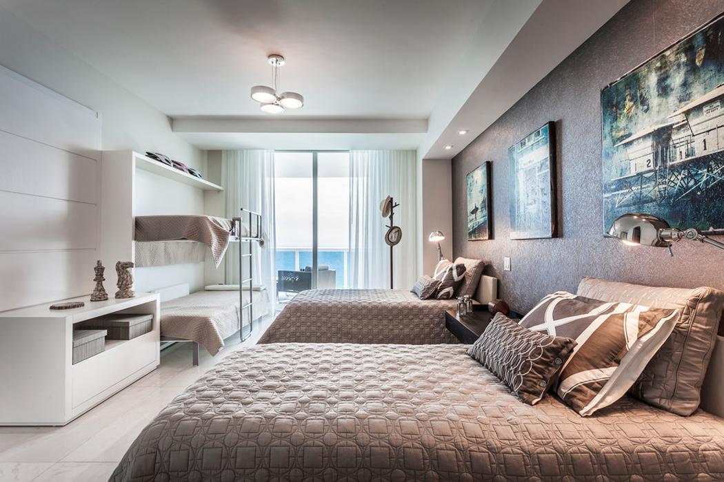 appartement de luxe avec belle vue sur l eau situ sur la c te en floride vivons maison. Black Bedroom Furniture Sets. Home Design Ideas