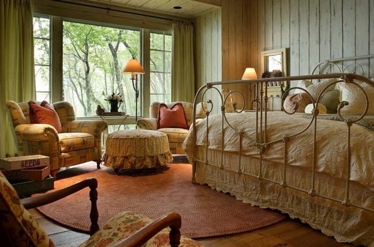Maison rustique au charme authentique campagnard en caroline du nord vivons maison for Chambre de bain rustique