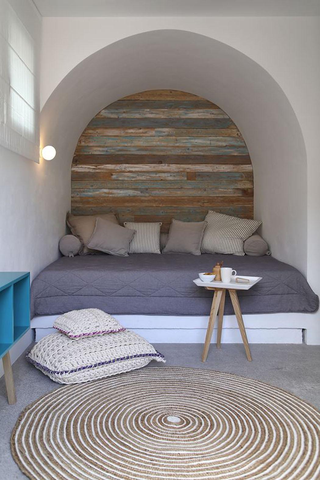 une maison de vacances rustique en gr ce d voilant une magnifique vue sur la mer vivons maison. Black Bedroom Furniture Sets. Home Design Ideas