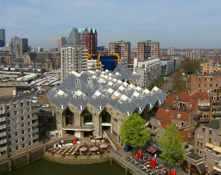 Le complexe original cube houses rotterdam vivons maison for Hotel amsterdam cube