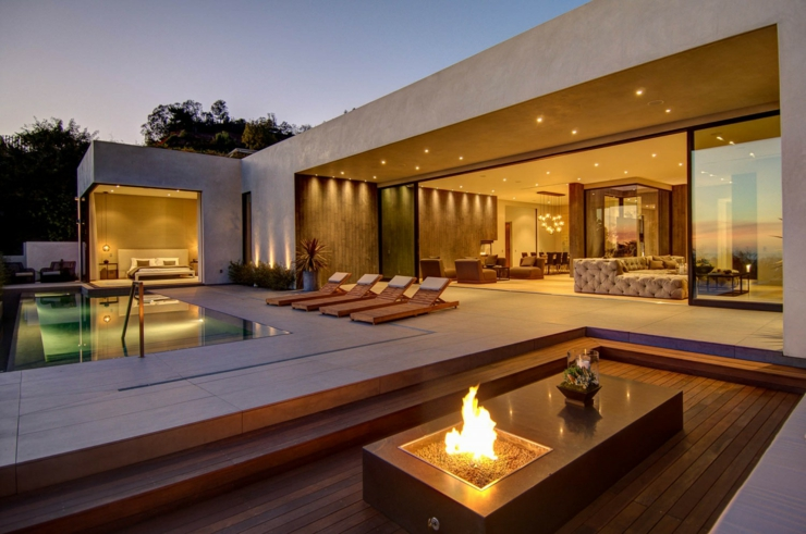 Villa moderne en haut de la colline vivons maison for Campo co interieur