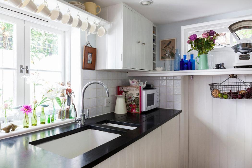 Ancienne maison de charme au design int rieur cr atif dans le sud de l angleterre vivons maison - Cuisine de charme ...