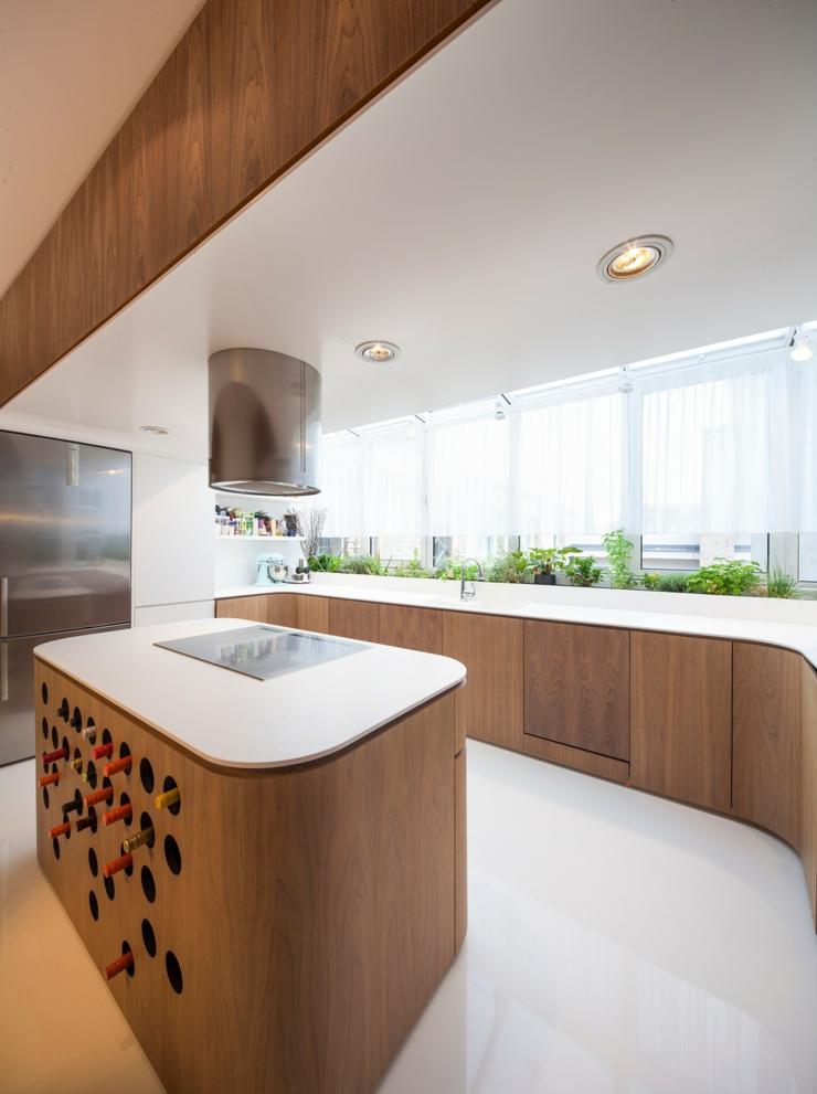 Loft au design contemporain un brin futuriste vivons maison for Chambre a coucher design contemporain