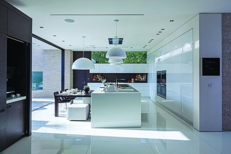 Trs Belle Maison Au Design Unique Beverly Hills