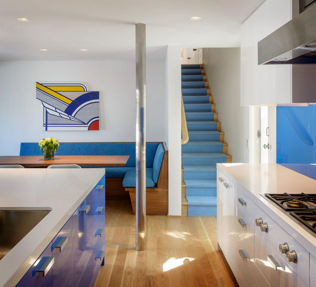Belle maison de vacances au design int rieur contemporain - Maison moderne bord de mer ...
