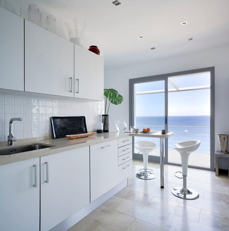 Magnifique villa de vacances en andalousie avec vue for Cuisine de luxe blanche