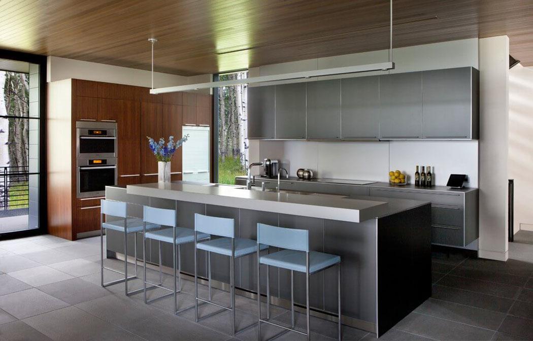 Jolie maison familiale au c ur de la nature avon for Cuisine ouverte amenagee