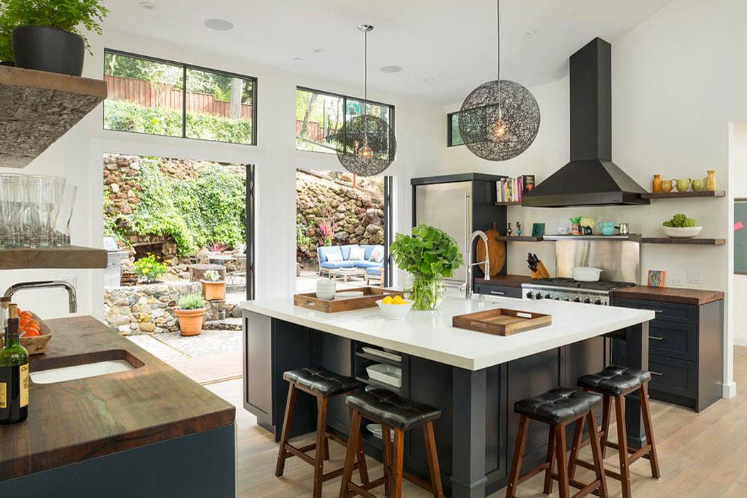 Jolie maison familiale totalement r nov e dans les - Jolie cuisine ouverte ...