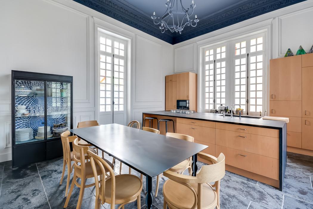 Hôtel particulier situé dans la région parisienne totalement rénové ...