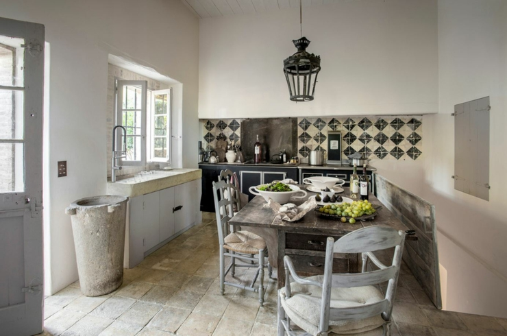 Magnifique maison de campagne dans le midi vivons maison for Decoration maison cuisine