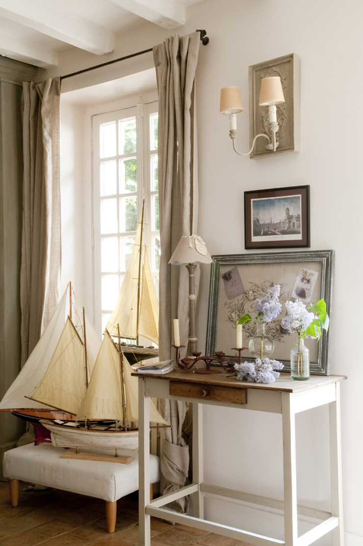 Jolie maison de campagne au design romantique en france for Decoration interieur campagne chic