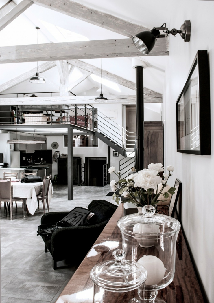 Ancienne papeterie transform e en loft industriel en - Decoration loft industriel ...