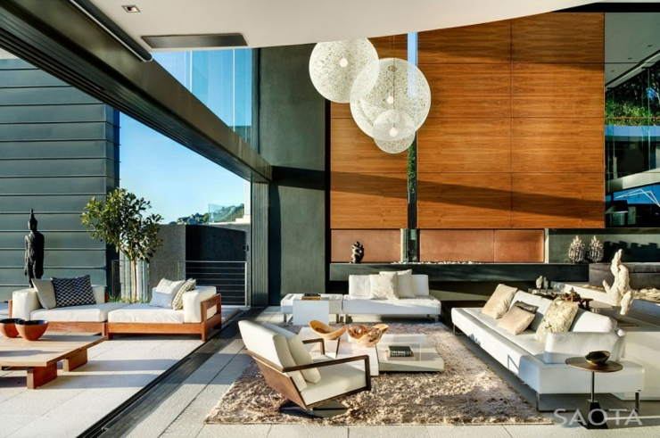 luxe et standing extr me de cette belle demeure sud. Black Bedroom Furniture Sets. Home Design Ideas