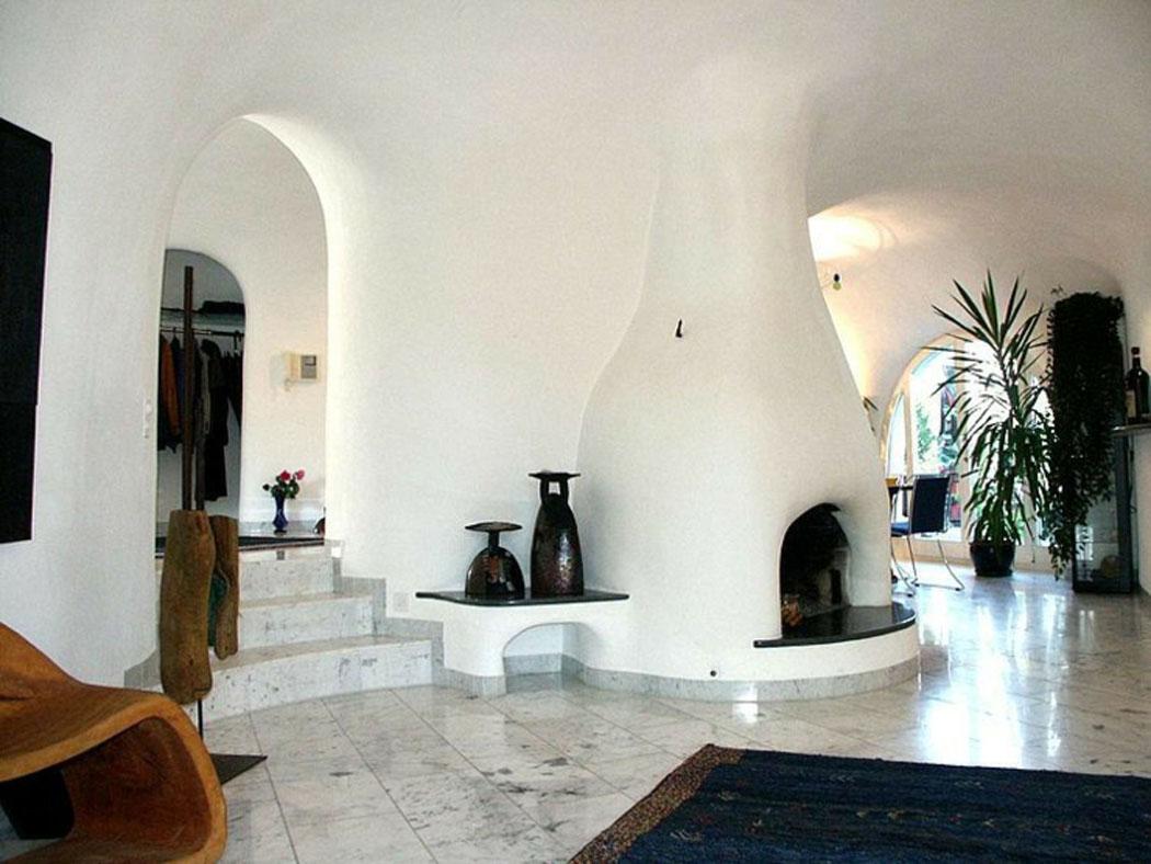 Maison verte intérieur futuriste
