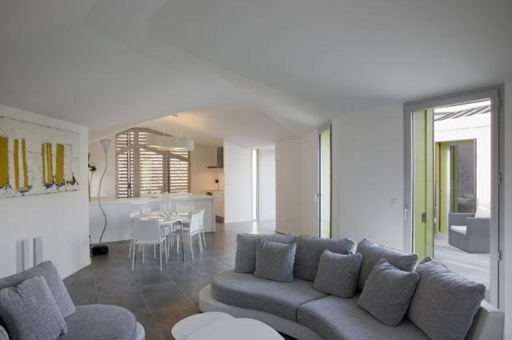 Maison originale l architecture cr ative en france vivons maison - Interieur minimaliste villa de vacances block ...