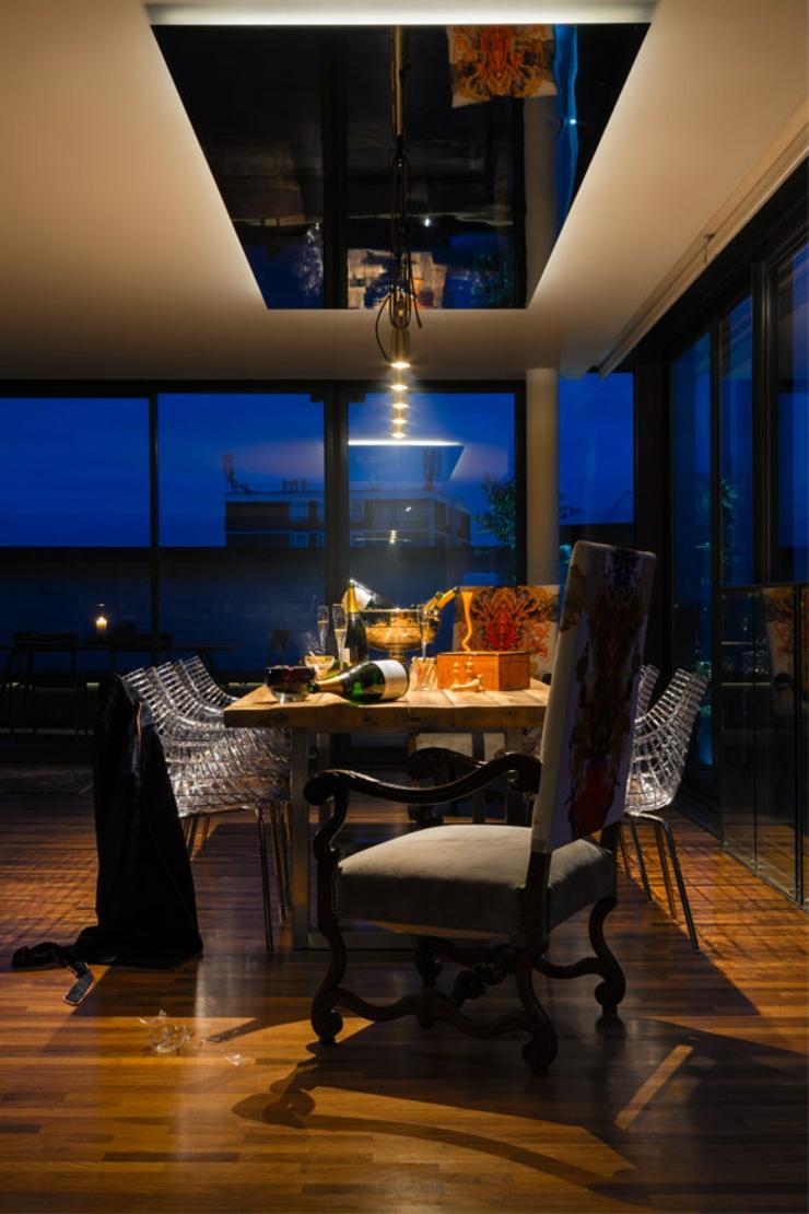 d coration loft bien masculine pour un c libataire riche londres vivons maison. Black Bedroom Furniture Sets. Home Design Ideas