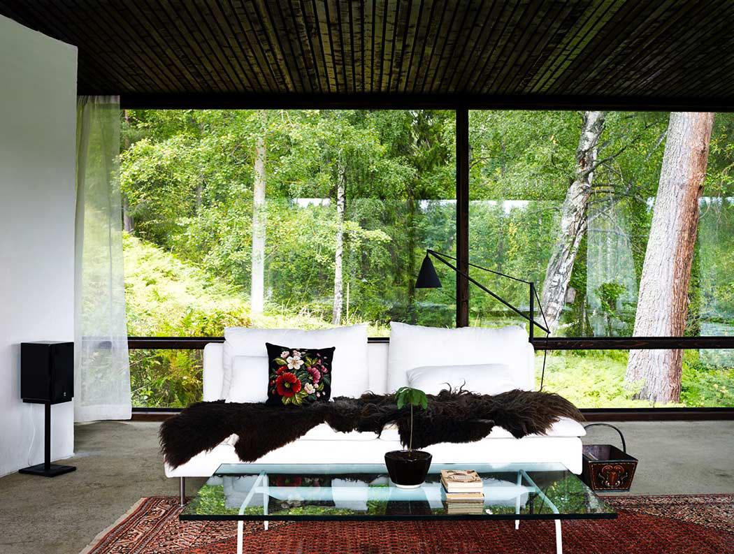 La nature fait partie intégrante de lintérieur de cette maison darchitecte belle ambiance maison de plain pied suédoise