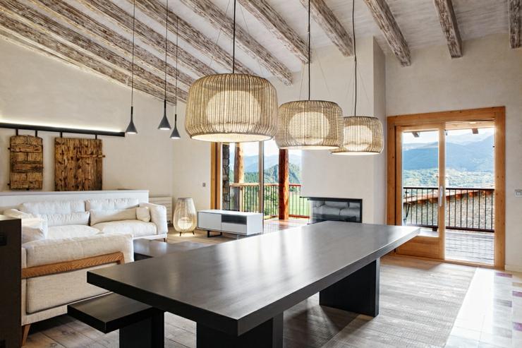 demeure de charme totalement r nov e en espagne vivons. Black Bedroom Furniture Sets. Home Design Ideas
