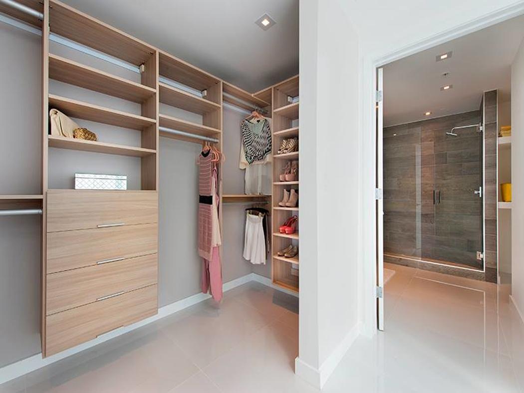 bel appartement en duplex au design moderne situ miami vivons maison. Black Bedroom Furniture Sets. Home Design Ideas