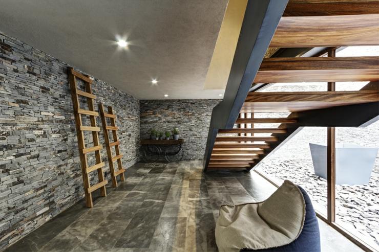 Deux maisons pour une seule belle demeure rustique - Maison rustique marina vella architecte ...