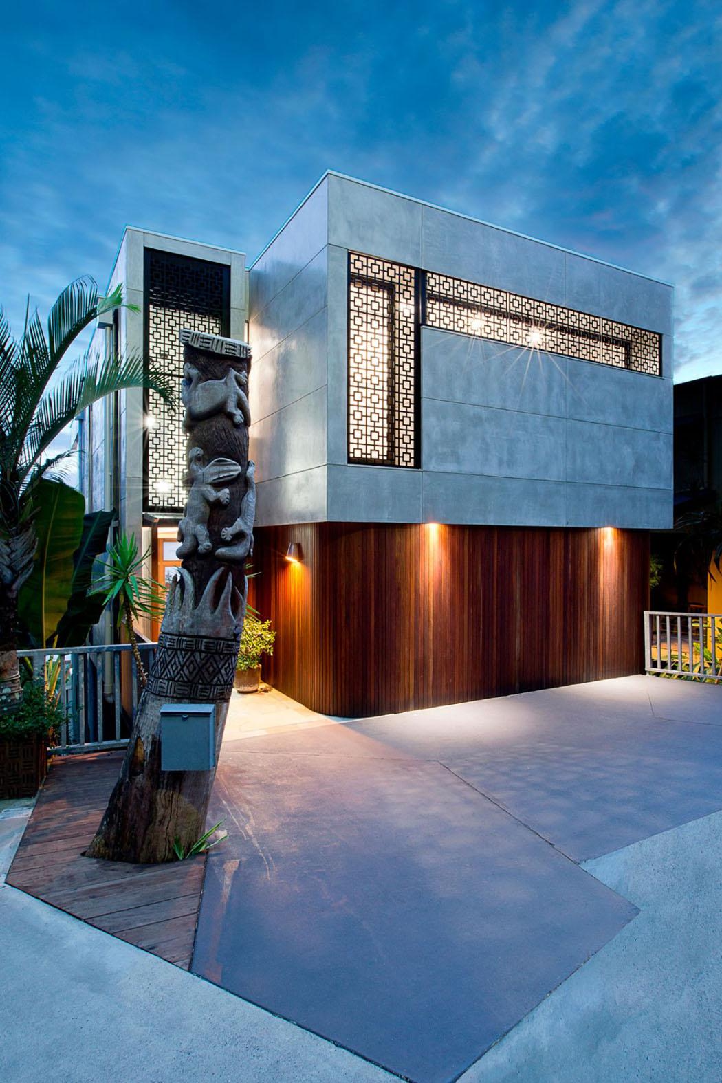 jolie maison r nov e avec belle vue sur la ville. Black Bedroom Furniture Sets. Home Design Ideas