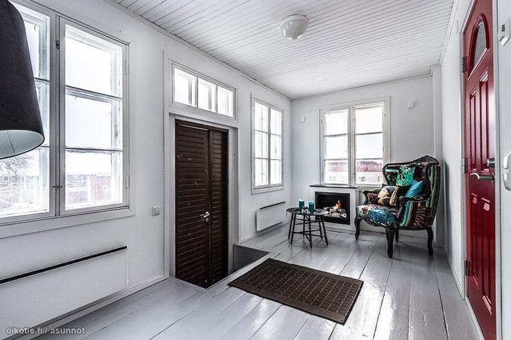 une tonnante maison en bois au c ur de la campagne finlandaise vivons maison. Black Bedroom Furniture Sets. Home Design Ideas