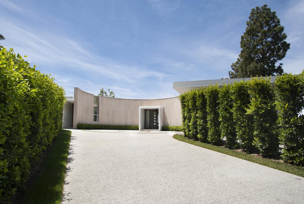superbe maison d architecte totalement r nov e beverly hills vivons maison. Black Bedroom Furniture Sets. Home Design Ideas