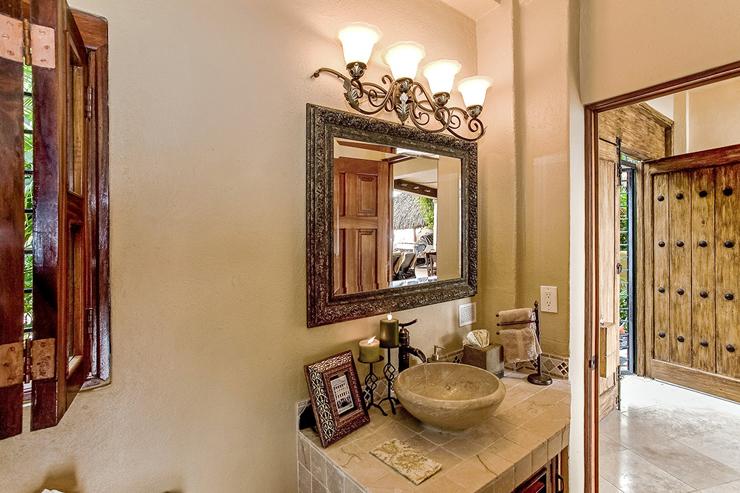 Villa de luxe louer pueto vallarta au mexique vivons for Deco entree villa