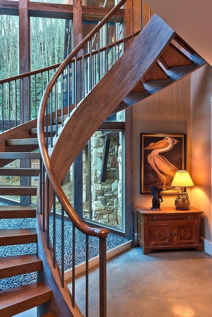 chalet en bois luxueux b ti au dessus d un cours d eau vivons maison. Black Bedroom Furniture Sets. Home Design Ideas