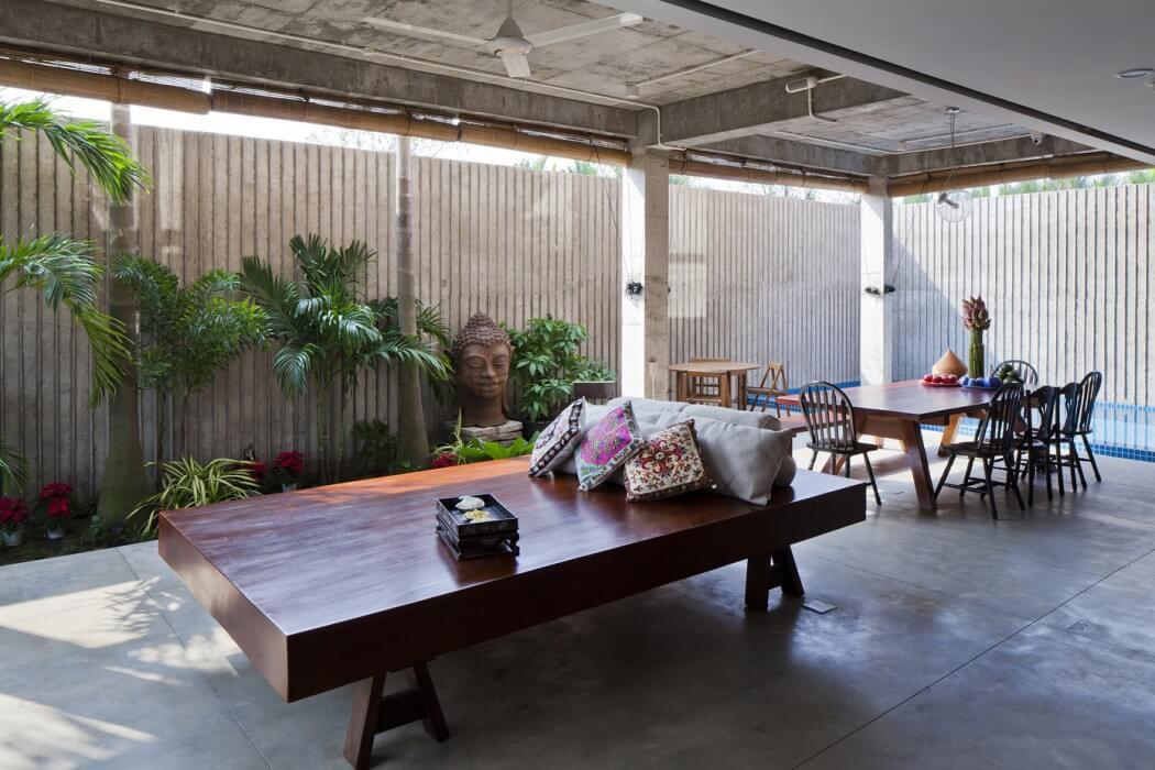 Petite maison originale au design clectique situ e dans la plus grande ville - Salle a manger de jardin ...