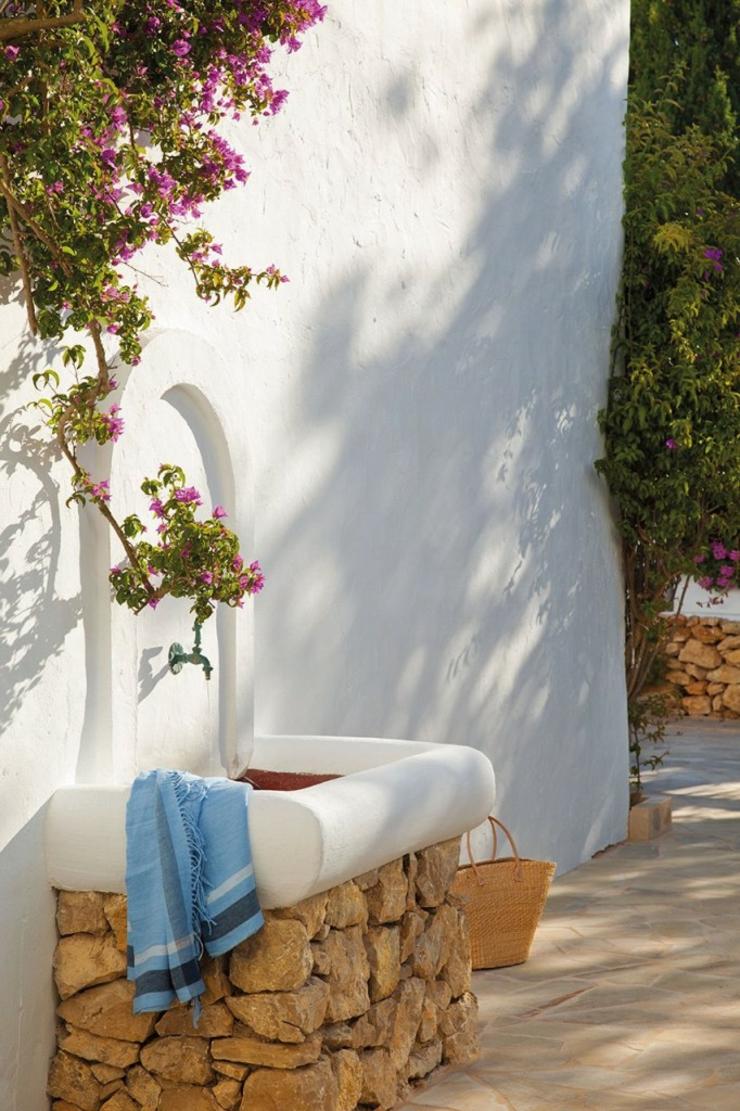 Jolie maison de charme rustique ibiza vivons maison - Deco terrasse la terrasse de style iles grecques et mediterraneen ...