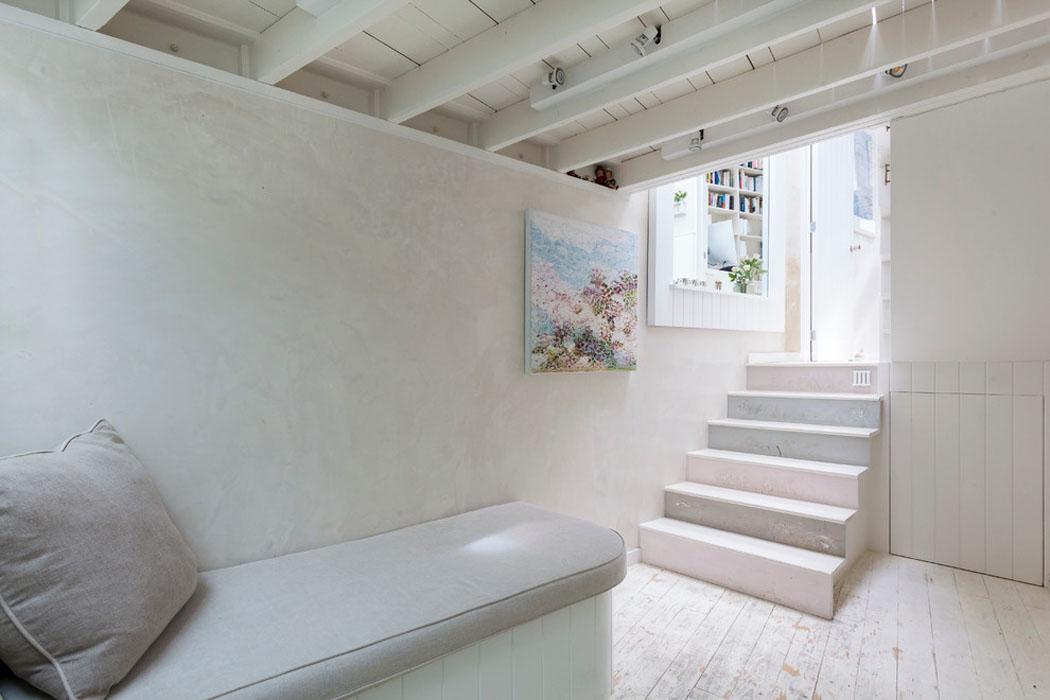 Ancienne maison de charme au design int rieur cr atif dans for Interieur artistique