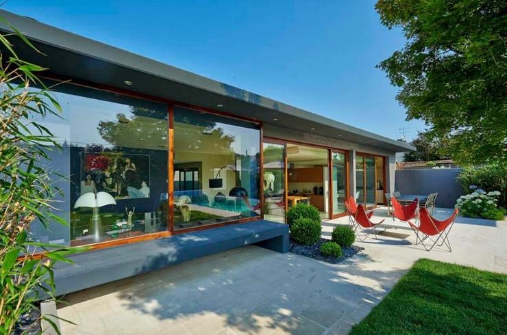 maison contemporaine avec un cadre idyllique et relaxant en plein ville - Maison Moderne Ville