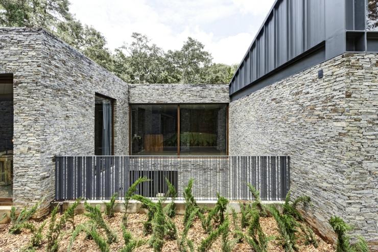 Deux maisons pour une seule belle demeure rustique - Belle maison deco industrielle arquitectos ...
