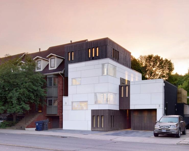 Ancien entrep t de fleurs transform en maison d - Maison moderne toronto par studio junction ...