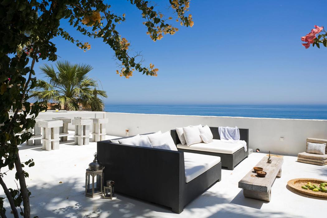 splendide villa de luxe sur la c te sud espagnole vivons. Black Bedroom Furniture Sets. Home Design Ideas
