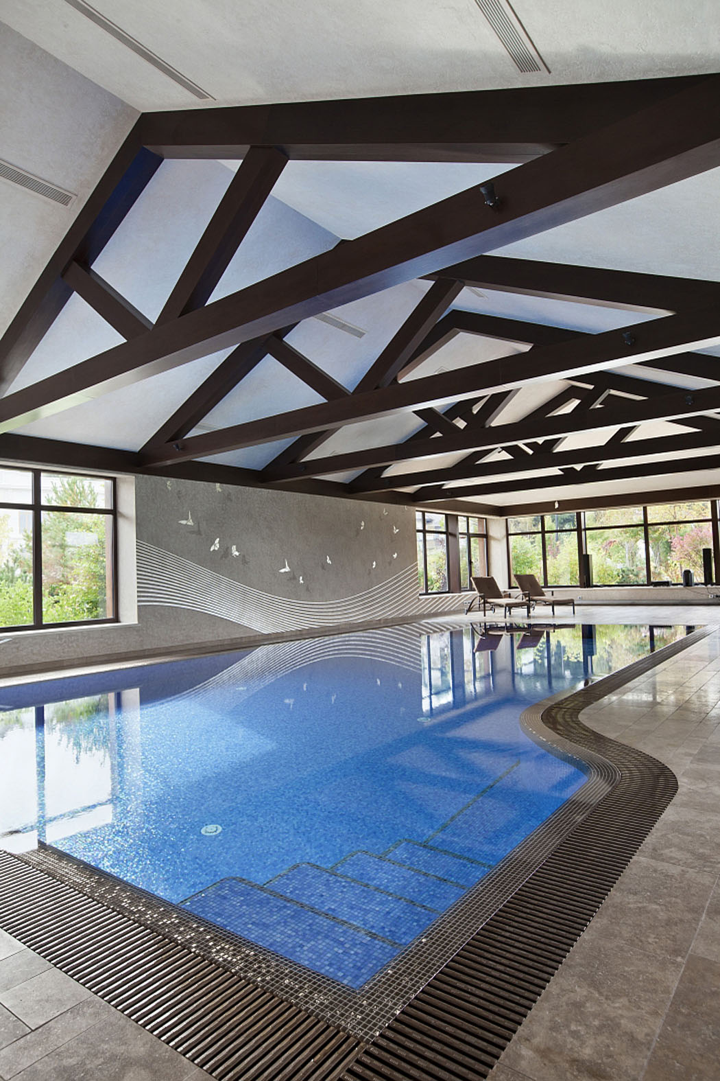 Belle et spacieuse r sidence de grand standing pr s de for Piscine d interieur