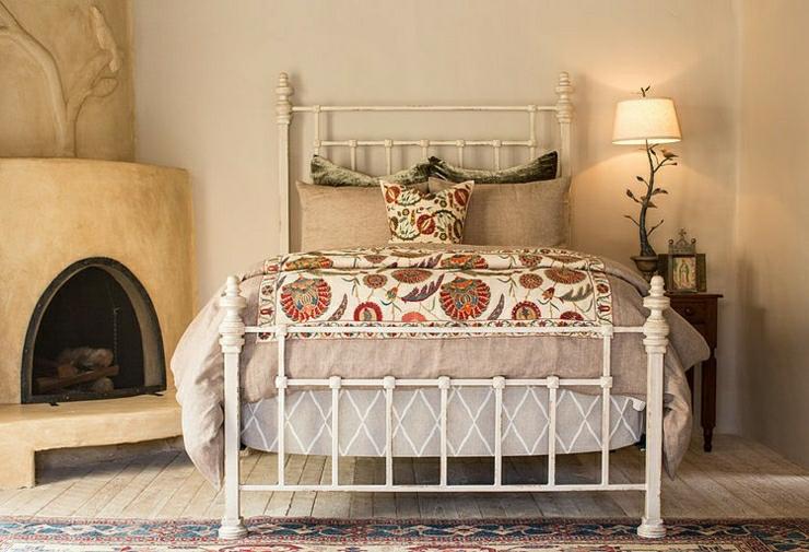 Superbe maison rustique inspir e par le style mexicain for Un poco chambre separee